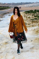 Weronika Bukowczan - New Look Velvet Gold Cami Top And Kimono, Stradivarius Midi Floral Tulle Skirt, Primark Polka Dot Black Tights, Nike Air Force 1 07 Velvet - Oh spring, my dear friend!