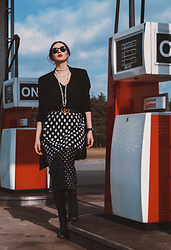 Wiktoria Celmer - Gucci Belt, Sfera Dot Printed Skirt, Bershka Long Jacket - Queen Of The Gas Station