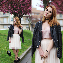 Carina Gonçalves - Mango Leather Jacket, Gamiss Crop Top, Dresslily Skirt, Pull & Bear Heels - You keep me connected to you like I was your shadow