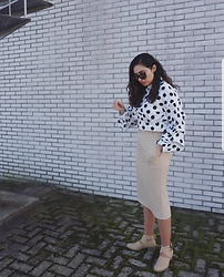 Sahar Maleki - Shein Top, Nelly Shoes, Ray Ban Sunglasses - Polka dots!