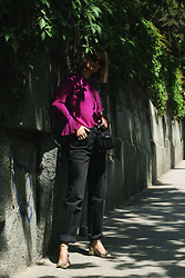 Ana Vukosavljevic - Metisu Top, Levi's® Jeans, Asos Shoes, Zac Posen Bag, Gucci Sunglasses - How To Pose For Pictures?