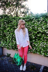 Elisa Bochicchio - Zara Shirt, H&M Trousers, Converse Sneakers, Kitch Kitchen Bag - Frida + succulents