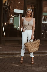 Joanne Christina Lewis - Missguided White Jeans - Recovering From C-Section