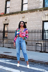 Monroe Steele - Half Sunglasses, Zara Bodysuit, & Other Stories Mom Jeans, Vince Camuto White Mules - A Bodysuit Goes a Long Way