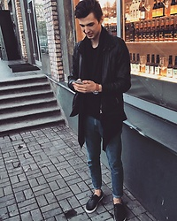 Uldis Antons - Asos Sneakers, Zara Jeans, Aldo Watch, Zara Cardigan, Bershka Shirt, H&M Leather Jacket - Insta📸 boy