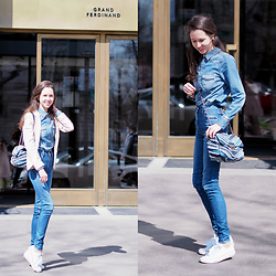 Claire H - Levi's® Jeans, Michael Kors Bag Sloan, Grand Ferdinand - Grand Ferdinand in Jeans