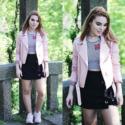 Carina Gonçalves - Zara Jacket, Pull & Bear T Shir, Zaful Skorts, New Balance Sneakers - Tell me I'm too crazy You can't tame me