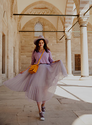 Viktoriya Sener - Jw Pei Bag, Chicwish Skirt - PURPEL DREAMS