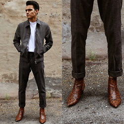 Alejandro Cantoral - H&M Suit, Asos Leather Boots, Cos Tshirt - Poisson Rouge