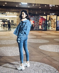 Wiyona Yeung - Calvin Klein Jeans Jacket, Fila Shoes - Love denim💙