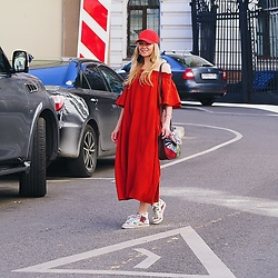 Marina Skater - H&M Dress, Monki Hat - Red carmine dress
