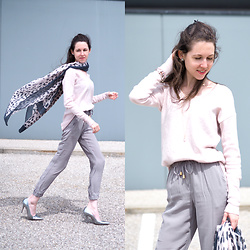 Claire H - H&M Sweater, Liebeskind Berlin Silk Pants, Högl Heels - Gone with the Wind