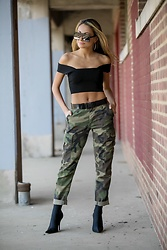 Lauren Recchia - A.L.C. Knit Top, Isabel Marant Belt, Re/Done Camo Pants, Balenciaga Boots, Saint Laurent Sunglasses - Can you see me now?