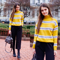 Christina&Karina Vartanovy - Gamiss Yellow Turtleneck Striped Sweater, Shein Black Elastic Waist Culotte Pants, Mango Little Tote Bag, Bershka Black Lace Up Ankle Boots - Karina // always summer