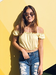 Grace Martinez - Forever 21 Off The Shoulder Ruffle Top, Sojos Mirror Sunglasses, Pacsun Ripped Boyfriend Jeans - Sunny