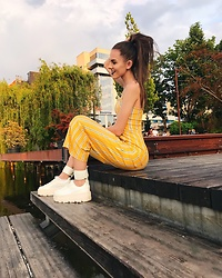 Emma Pavel - Bershka Jumpsuit, Puma White Ankle Strap Sneaker - Summer vibes