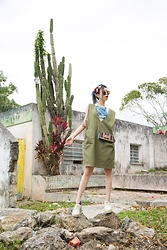 Dva Lau - Visual Mood Swimsuit Top, Guess Habdbag, Prada Shoes, Urban Outfitters Dress - Mexican green