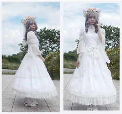 Nowaki Selenocosmia - Long Boned Petticoat, Souffle Song White Chiffon Madonna Cross Overskirt, Surface Spell Lady In Darkness Op, White Shoes, Souffle Song Necklace, Handmade Horns - Fantasy bride