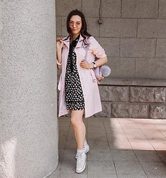Katherine Adamenko - Grafea Backpack, Converse Sneakers, Daniel Wellington Watches - Pink