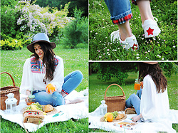 Cleo D - Shein Blouse - Let's have a picnic!