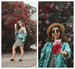 Theoni Argyropoulou - Shein Gingham Dress, Pull & Bear Denim Jacket, Stradivarius Straw Hat, H&M Espadrilles Mules - The most flattering Gingham dress