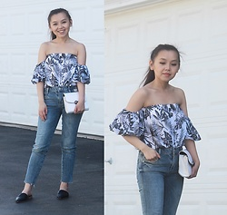 MC Y - Nordstrom Off Shoulder Top, Zara Frayed Jeans, Topshop Slip On Mules - Off Shoulder Top - Summer Outfit