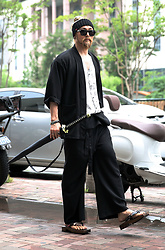 INWON LEE - Byther Sword Umbrella Black, Byther Oriental Linen Cardigan, Byther Linen Wide Pants, Byther Wooden Flat Square Shoes - Dark Oriental