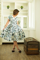 Lindsey Puls - Unique Vintage Dress, Amazon Heels - Wedding guest ready