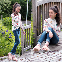 Claire H - Lyvem Top Layla, G Star Raw Jeans, Zara Mules With Feathers - In full bloom