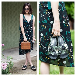 Marijana M - Vipshop Floral Printed Dress, Chic Wish Straw Picnic Bag, Blink Green Sandals With Flowers, Sinsay Black Lolita Sunglasses - Dark florals