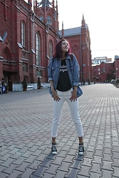 Daria Harman - Converse Sneakers, Zara Jeans, Zara Jacket - Feel it
