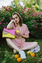 Andreea Birsan - Colorblock Shoulder Bag, Striped Midi Dress, Gold Layered Necklaces, Gold Metallic Belt, White Chunky Trainers, Net Market Bag - Striped midi dress