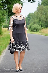 Beauty and Nails -  - Black dress