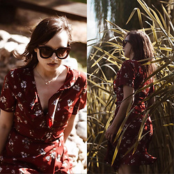 Daria R. - Zaful Plunging Neck Floral Ruffles Retro Pin Up Dress And Big Retro Sunglasses, Zaful Big Retro Sunglasses - Plunging neck floral ruffles retro pin up dress