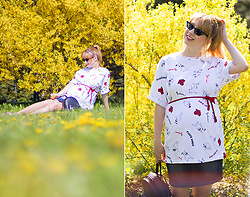 Julia F. - Pull & Bear Tshirt All Over Pug Print - Yellow Is The Color Of Happiness