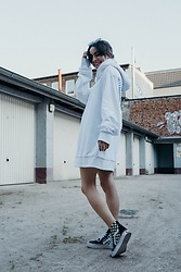 Frankie Miles - Stella Mccartney Sunnies, Cheap Monday Hoodie Dress, Vans Sk8hi Lite - 120718