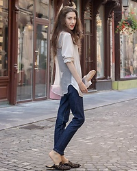 Veronika Lipar - A.P.C. Dark Blue Denim Cropped Jeans, Furla Shain Shoulder Bag - THE IT SUMMER SHIRT YOU NEED TO KNOW NOW