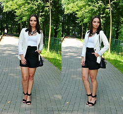 Natalia Uliasz - Mosquito White Blazer, Reserved Top, Zara High Waisted Shorts, Rosegal Bag, Deezee.Pl Heels - High-waisted shorts