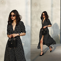 CLAUDIA Holynights - Novashe Dress - The polka dot dress