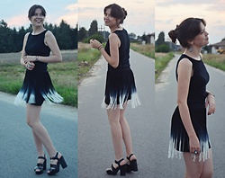 Isabel O - Secondhand Black Singlet, H&M Skirt, Stradivarius Leather High Heel Sandals - Where the sky is blue forever