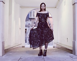 Katherine - New Look Veiled Dress With Asymmetrical Background, H&M Platform Boots With Frontal Zip - Little witch.