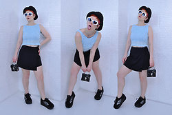 Suzi West - Claire's 1990s Bucket Hat, Mypartyshirt.Com Kurt Cobain Sunglasses, Depop 1990s Fuzzy Top, Mgr 1990s Skort, Claire's 1990s Mini Purse, Volatile Platform Sneakers - 15 March 2018
