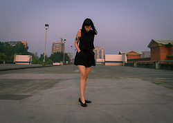 Alexandra Chieh - Kit And Ace Tank, Johnature Linen Shorts, Rick Owens Geoballerina - 2// Smog