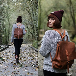 Mackenzie S - Free People Electric City Pullover, Embrazio Renaissance Backpack, Zenni Optical Sepulveda Frames, Carhartt Beanie, The Frye Company Leslie Boot, Old Navy Black Skinny Jeans - Cozy on Up!