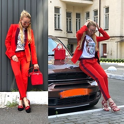 Svetlana Pershyna - Marc By Jacobs Red Suit, Fideliti Red Bag, H&M White T Shirt, Gianvito Rossi Red Heels, Marc By Jacobs Glasses, Charlotte Olympia Kiss Shoes - Red & bag