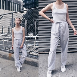 Giovanna Osterman - American Apparel Cropped Tank, Forever 21 Hoop Earrings, Nike Air Force 1'S - 09.05.18