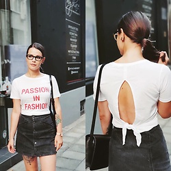 Mila Spasova - Guess Tee, Pull & Bear Denim, Miss Sixty Leather Bag - Passion in fashion