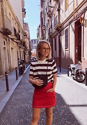 Nathalie R - Arket Top, Marimekko Bag, United Colors Of Benetton Skirt - Hola Barcelona!