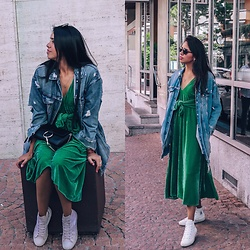 @CARITOVIENA - Chloé Faye Small Leather, Converse Chuck Taylor, Zara Velvet Dress, Zara Oversized Denim Jacket - Green Velvet Cake