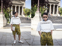 Ronan Summers - Cerruti Logo Sweater, Cerruti Banana Leaf Shorts, Cerruti Strapped Leather And Suede Loafers - Cerruti dude